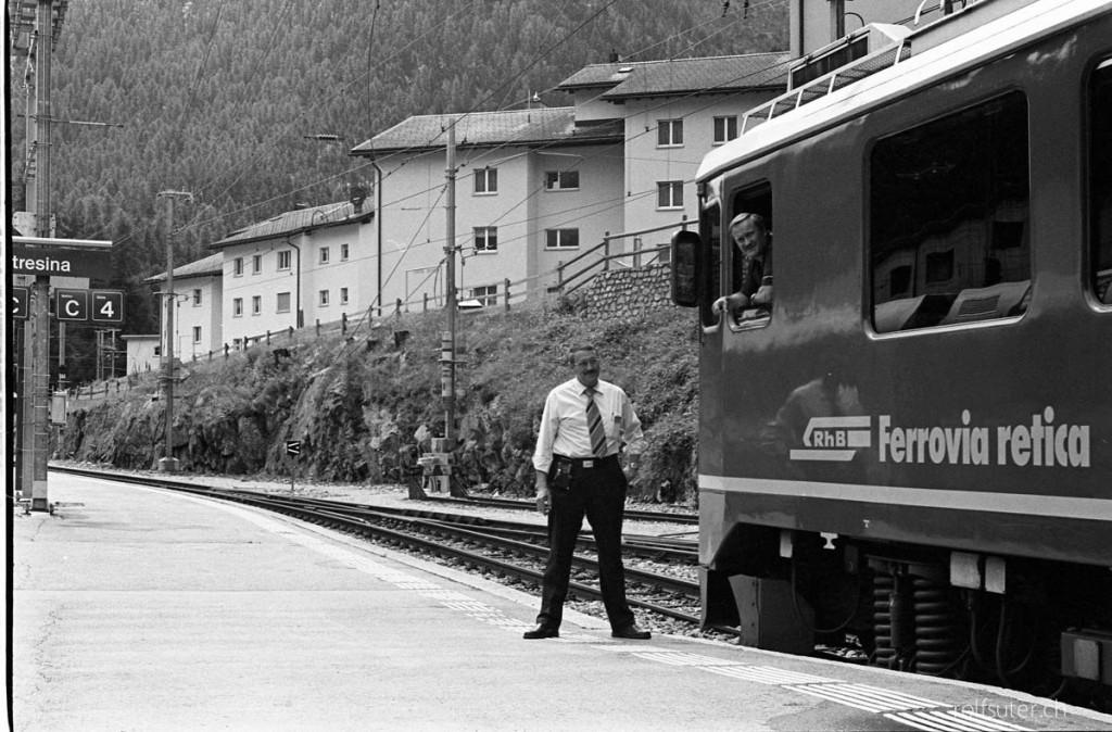 Waiting for departure, Bahnhof Pontresina