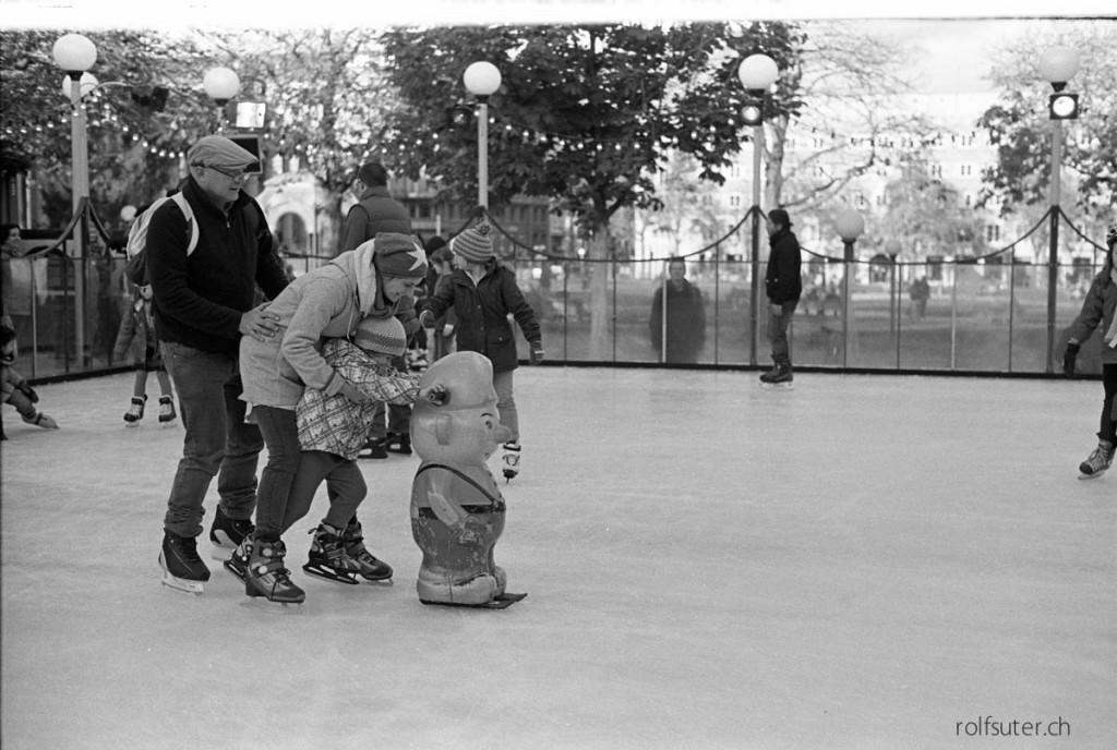 Ice skating at the Schlosspark in Stuttgart