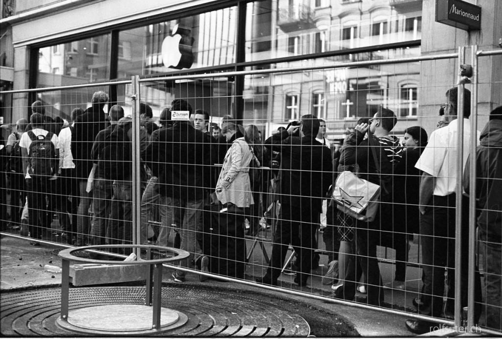 Imprisoned by Apple   Zürich